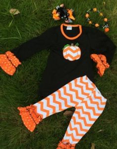Chevron Pumpkin Set, Chunky Necklace and Bow. Shop now and save 46% :  #DailyDeals