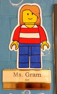 Art with Mrs. Nguyen: Lego-style Self-Portraits (3rd/4th)