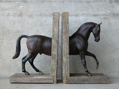 Breyer Horse bookend... I could make this :)