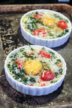 Creamy Kale Baked Eggs #21dsd #breakfast #eggs More