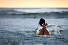 . . Surfer . .