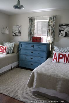 Love the monogram for H's big boy room!