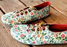 Boyfriend Girlfriend Oxford Shoe Sewing Pattern by shoeology, $15.00