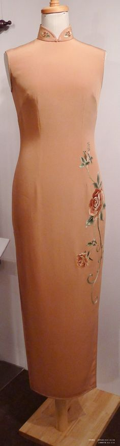Cheongsam Exhibition Show: A Century of Glory | Elegant Chinese dress, Qipao, Cheongsam - ElegantStory.com |