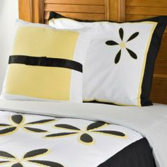 Modern Flower Pattern On White And Black Background Full Or Twin Size