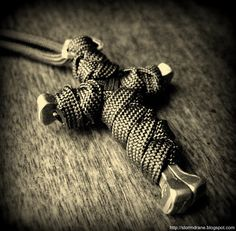 Paracord over a horseshoe nail cross