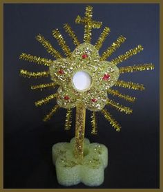Make a Monstrance: Craft for Kids  |  Catholic Icing
