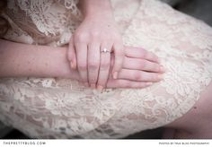 Oval shaped engagement ring | Photography: True Bliss Photography