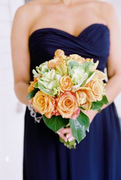 Colors I want for wedding! But flowers should be gold!! @Four Seasons Bridal