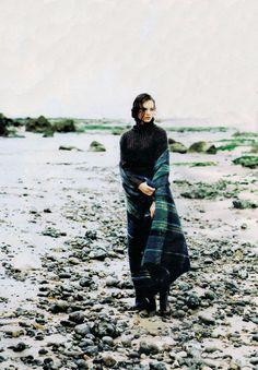 """80s-90s-supermodels:  """"Il Y A Du Mohair Dans L'air!"""", ELLE France, October 1994Photographer: Friedmann Hauss"""