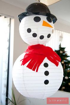 DIY Snowman Christmas Ornaments To Make With Kids : Awesome Large DIY Snowman Shaped Christmas Craft for Beautiful Christmas Decoration to M...