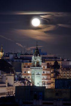 Moon Above | Madrid, Spain  www.facebook.com/loveswish