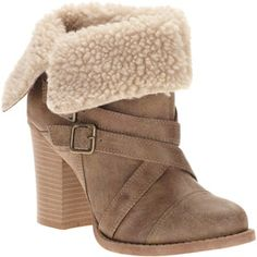 Passports Women's Sheila Ankle Boots