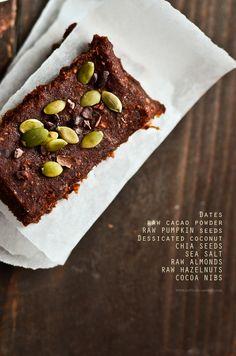 Chocolate & Dates Raw Energy Bars