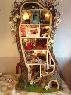 An absolutely breath-taking miniature mouse tree house inspired by a Brambly Hedge book