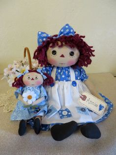 """14"""" Primitive Raggedy Ann doll blue dress stitched face w/ 7"""" doll & hang tag"""