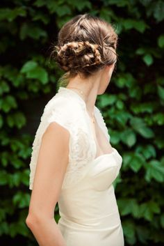A CUP OF JO: DIY wedding hair: Pretzel braid