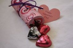 How to use cardboard tubes to make #Valentine candy poppers.  #tutorial