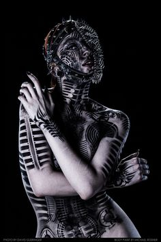 'Vex' – A Body Painting by Michael Rosner