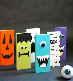 DIY Halloween Bowling Set - Fun bowling game your kids can help you decorate the pins with cute monster and jack-o'-lantern faces - #kids #D...