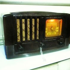 Cool Vintage Radio I just bought at a Local Antique Store .... And it still works :)
