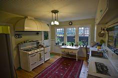 1910 Seattle Craftsman home's kitchen. Hood!