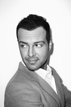 Joey Lawrence. I'm sorry, but he's just so cute. He could only be more attractive if he dropped the Y from his name :)
