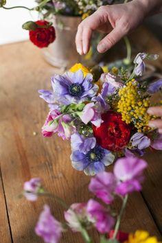 spring flowers, bouquets, fresh flowers, kitchen, chelsea fuss, color inspir, beauti flower, anemones, portland oregon