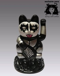 "Marcela Maldonado Customizes Japanese ""Lucky Cats""    The Argentine artist appropriates the ancient Maneki Neko for modern purposes."