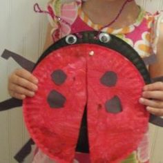 May 20, 2014. Ladybug Paper Plate with Wings!