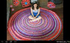 Rose Beerhorst crocheted rag rug... 8' diameter. So gorgeous! http://www.etsy.com/shop/BraveHandTextiles