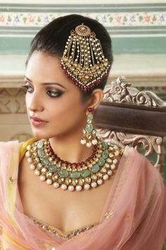 gorgeous kundan and jade wedding jewelry, bride jewelry, Indian wedding jewelry