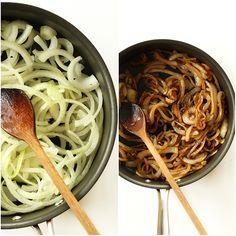 Vegan Caramelized Onion Mac n Cheese - Minimalist Baker