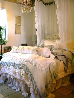 Love the bedding & canopy!