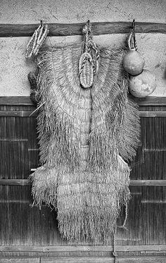 Japanese straw raincoat, Mino 蓑