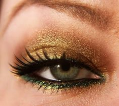 Fun makeup for hazel eyes. Gold and green with a bit of black on top and on the inside. This is purrrdy!