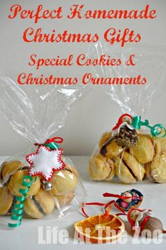 Christmas Cookie Gift -  a great gifts that children can help make via www.lifeatthezoo.com