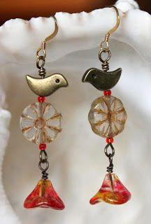 Brincos com vidro checo e pássaros de metal - de Marianne Hall- SmittenBeadsBlog: Bead Smitten Earring Competition