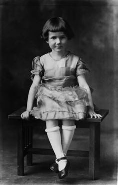 Beverly Cleary, age 6.