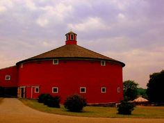 This round barn was initially built in 1901 in East Passumpsic, Vermont. It is eighty feet in diameter and three stories high. It was dismantled and rebuilt at the Shelburne Museum center in Vermont in 1985. Awesome!!