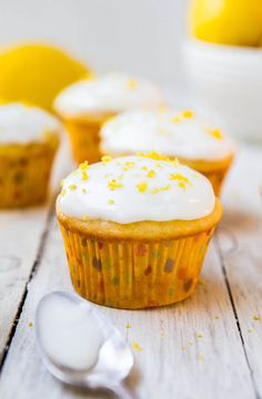 Lemon Cupcakes with Lemon Cream Cheese Frosting #cupcakes #cupcakeideas #cupcakerecipes #food #yummy #sweet #delicious #cupcake
