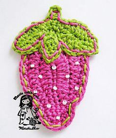 Ravelry: Sweet strawberry pattern by Vendula Maderska.  FREE PDF 6/14.