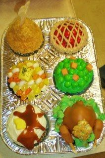 Thanksgiving Day Cupcakes!  Idea from Hello Cupcakes