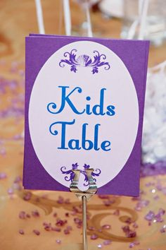 wedding kids table ideas | Kids Wedding Table Ideas Photograph | Kids Table at Wedding