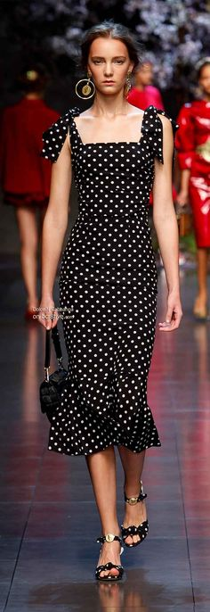 For Derby, add a big hat. Dolce & Gabbana Spring 2014