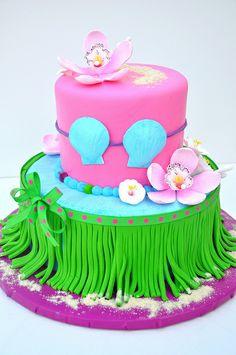 Hula Girl Cake ~ too cute!