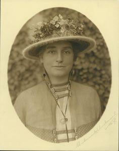 Lovely Mina Edison, 1908.