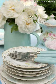 Love the aqua handled silverware