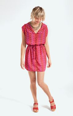 simple summer tunic dress (pictured below), courtesy of our expert sewanista Sandra Bryans