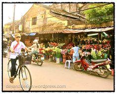 Hoi An, Vietnam - flowers!